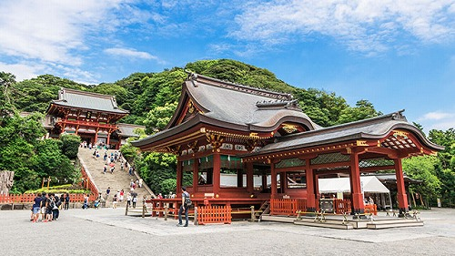 s tsurugaoka hachiman gu - 鶴岡八幡宮は縁切り神社って本当!?近くの人気カフェはカップルでいっぱい!